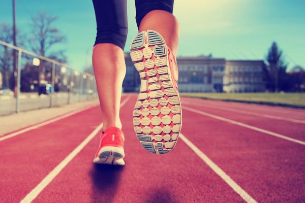 walking running 600x400 - Walking Vs Running – Which Is A Better Exercise?